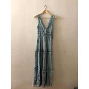 Green lace sleeveless long dress